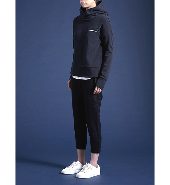 high-necked hoody Linear pocket jersey
