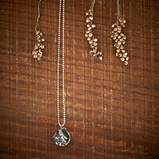 petal/18 Necklace (silver)